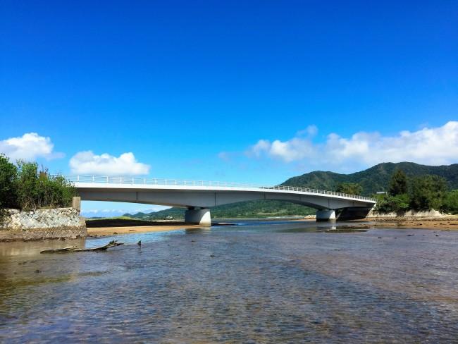 ⑧アンパルにかかる名蔵大橋